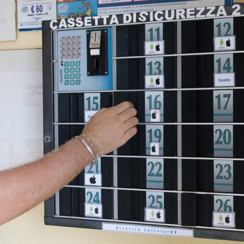 Cassetta di Sicurezza Ricarica Cellulari